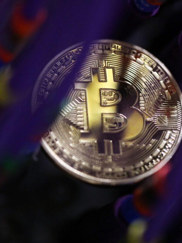How Bitcoins are helped for the stock exchanging process?